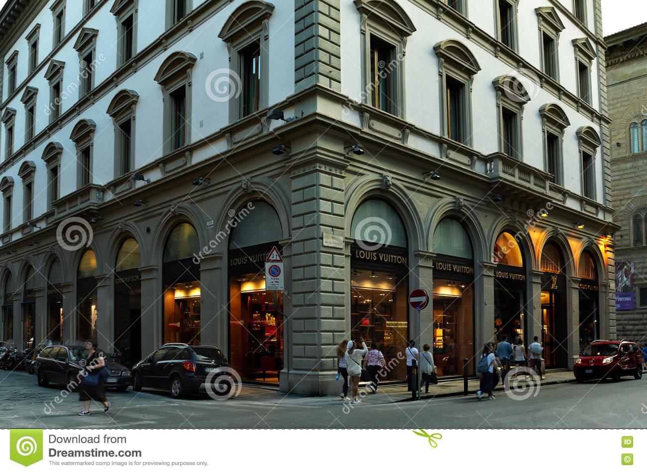 FLORENCE, ITALY - JUly ,02: Louis Vuitton store in Florence, one of the most luxurious shopping district in the world0