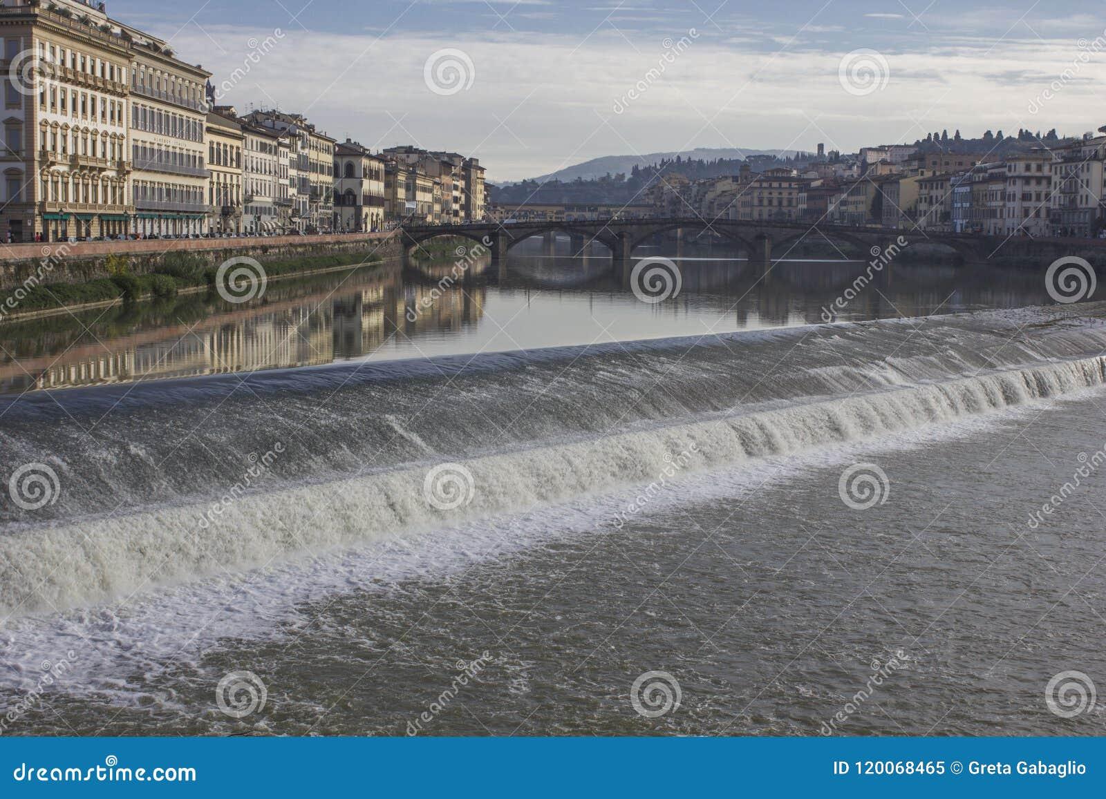 Florence med en liten kaskad
