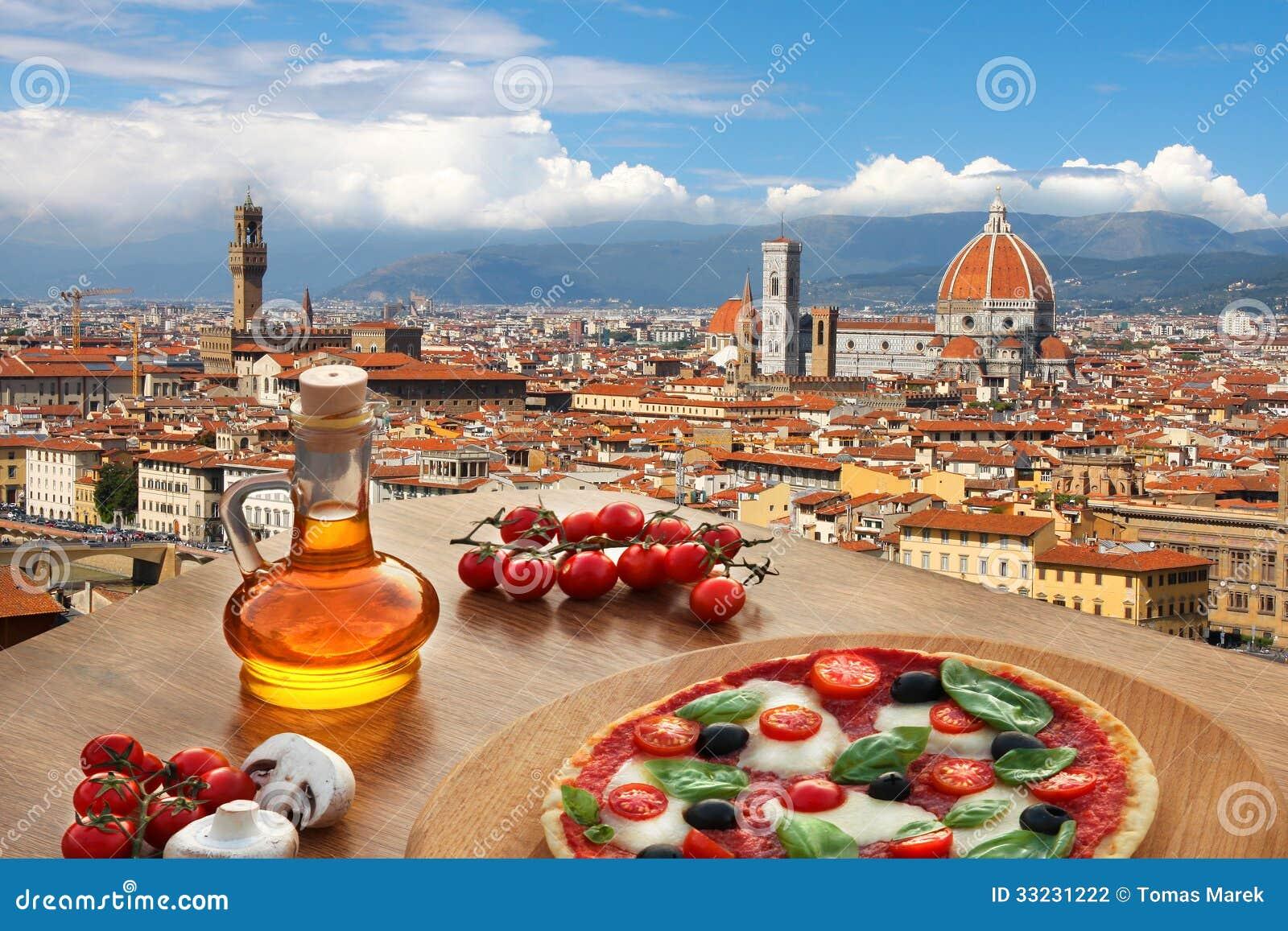 Florencja katedra z pizzą w Włochy
