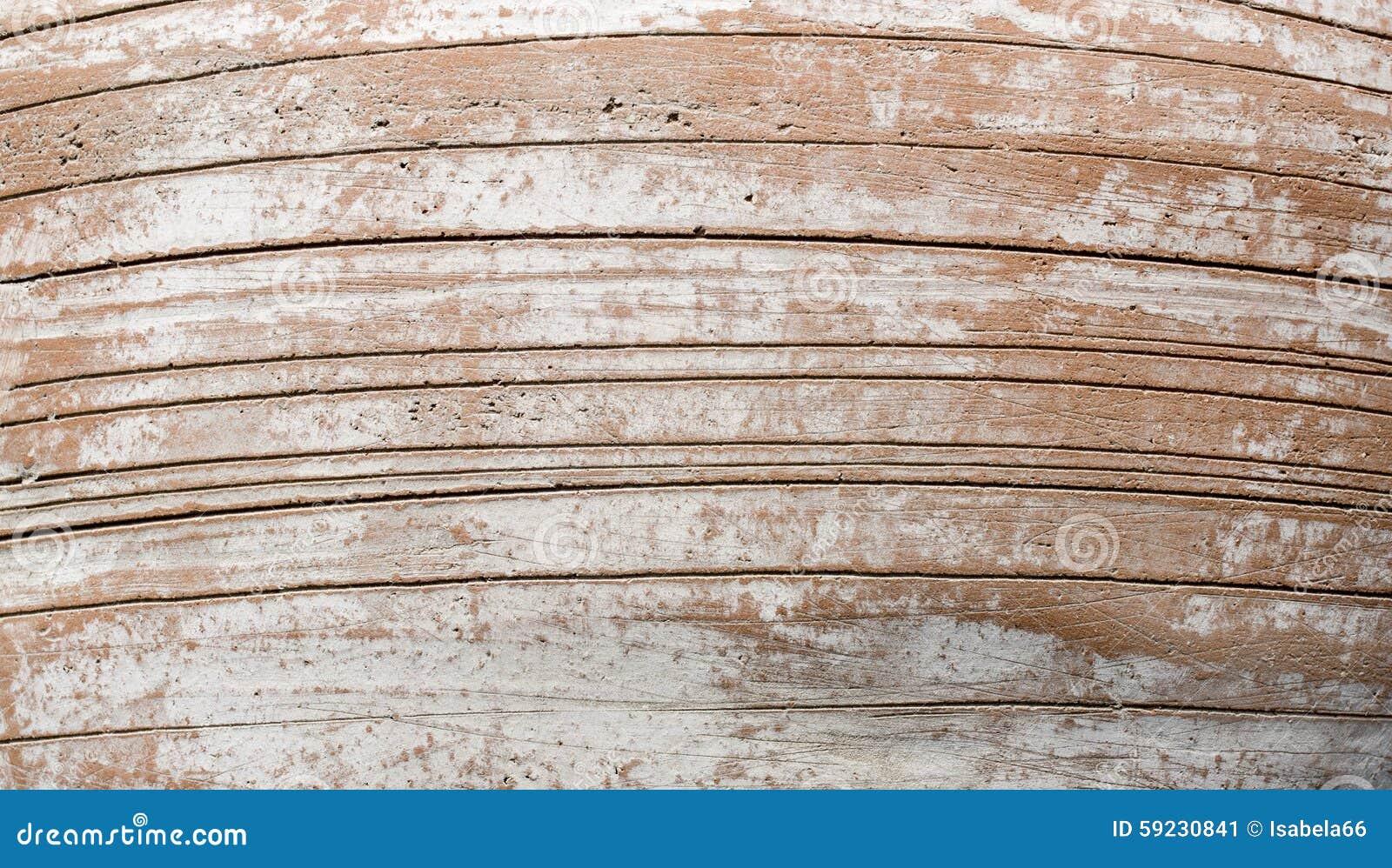 Florero de cerámica grande con las líneas