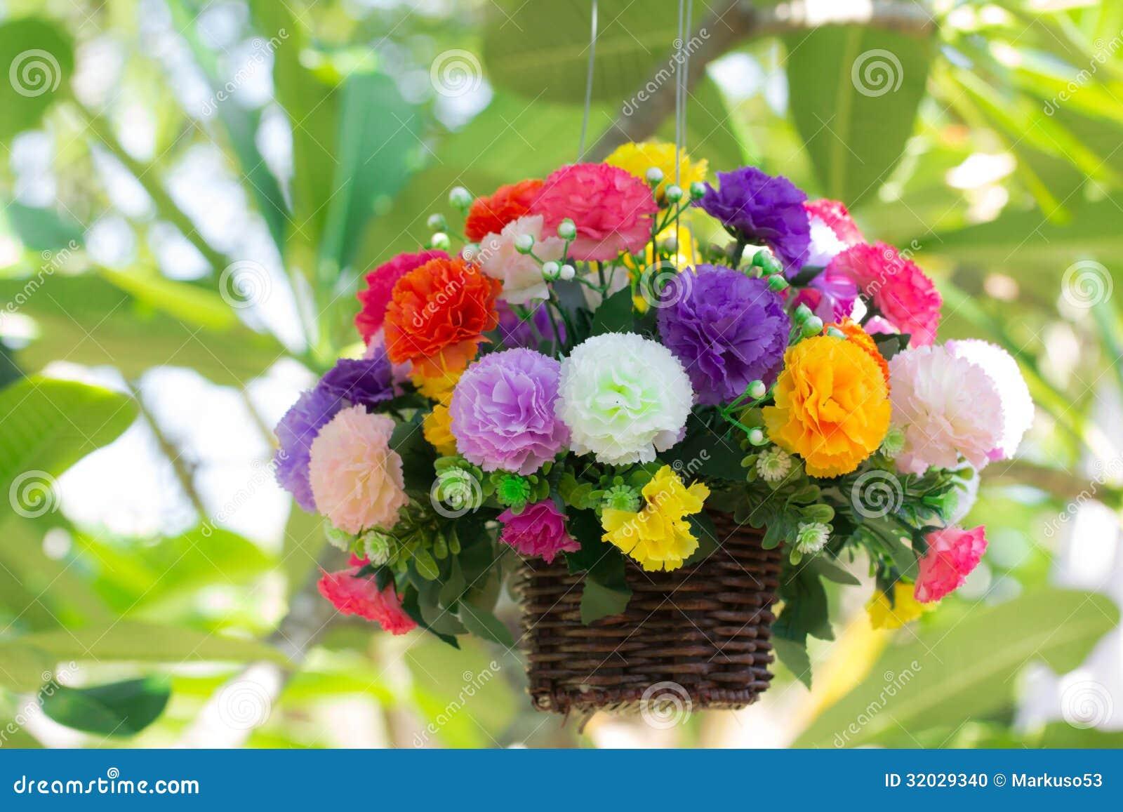 Flores artificiales coloridas foto de archivo imagen for Plantas artificiales