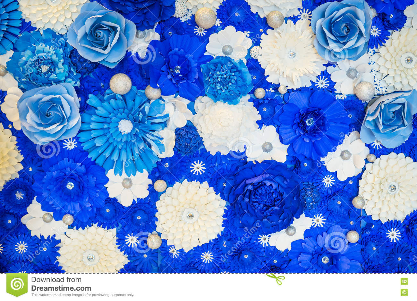 Flores Azules Y Blancas Para El Fondo Foto De Archivo