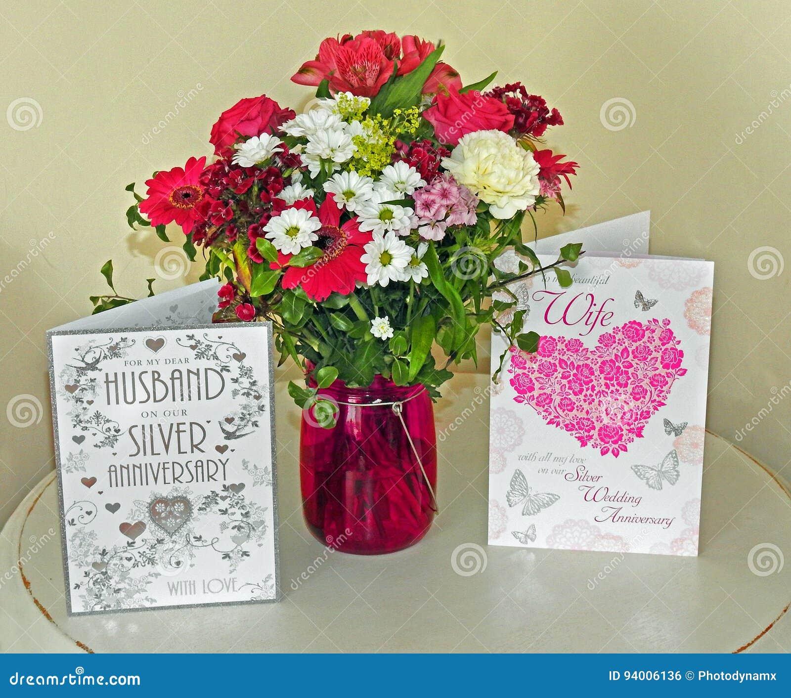 Flores Del Aniversario De Boda Foto De Archivo Imagen De