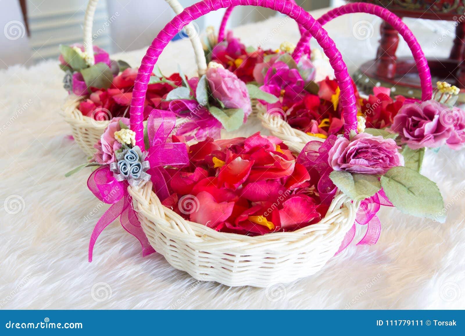 Flores na cesta