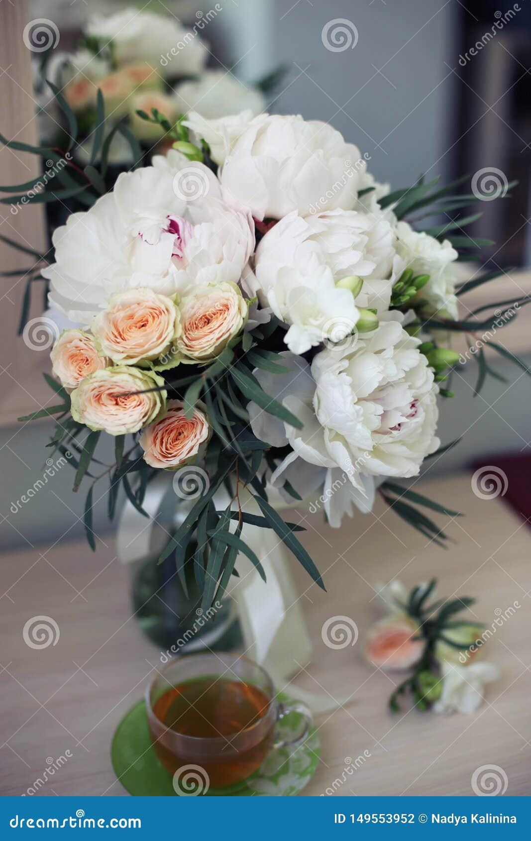 Flores nupciales y ma?ana del t?