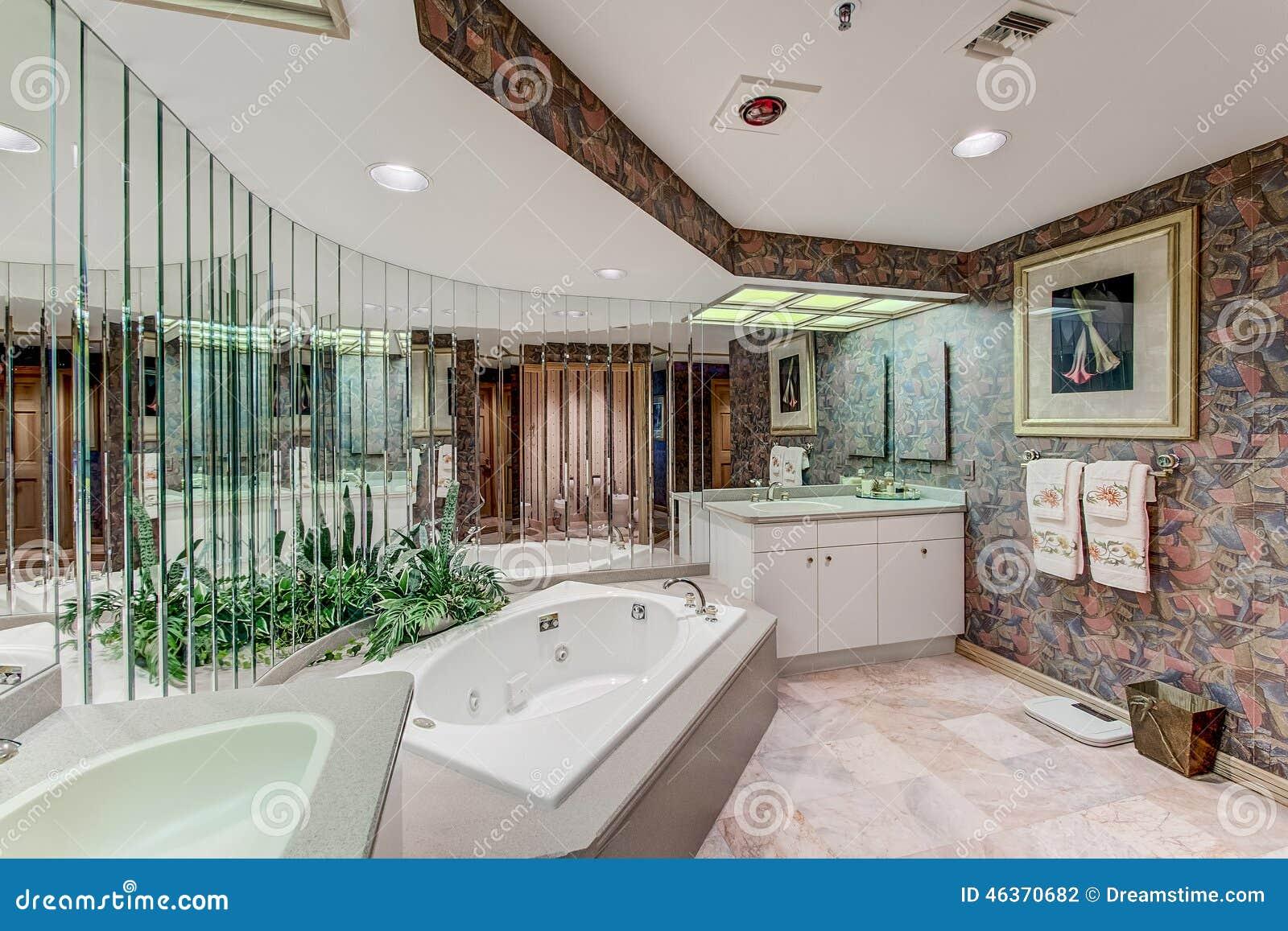 Florida luxury condo bathroom with mirror wall stock photo for Miroir mural salle de bain