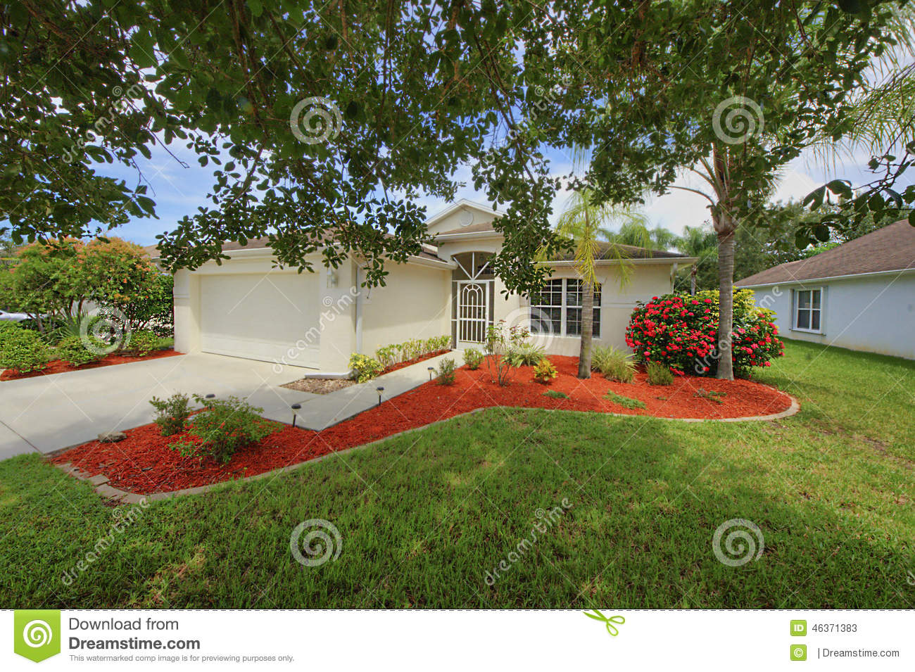 Florida small clean home with fresh new landscaping stock for New landscaping ideas