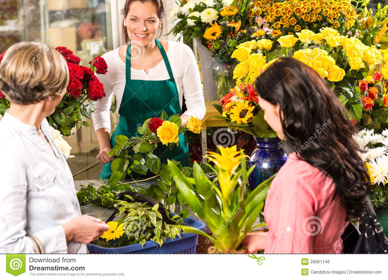 florist woman preparing bouquet customers flower shop