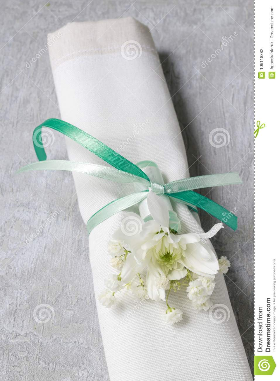 Florist At Work How To Make Napkin Ring With Chrysanthemum Flow
