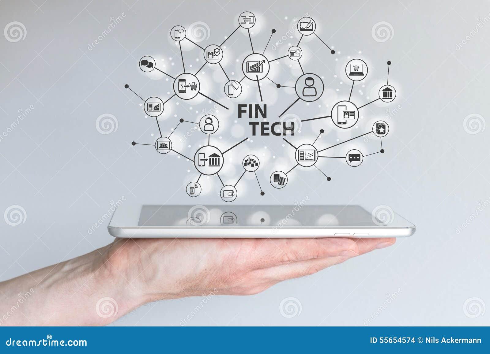 Flossen-Technologie und Mobile-Computing-Konzept Hand, die Tablette vor grauem Hintergrund hält