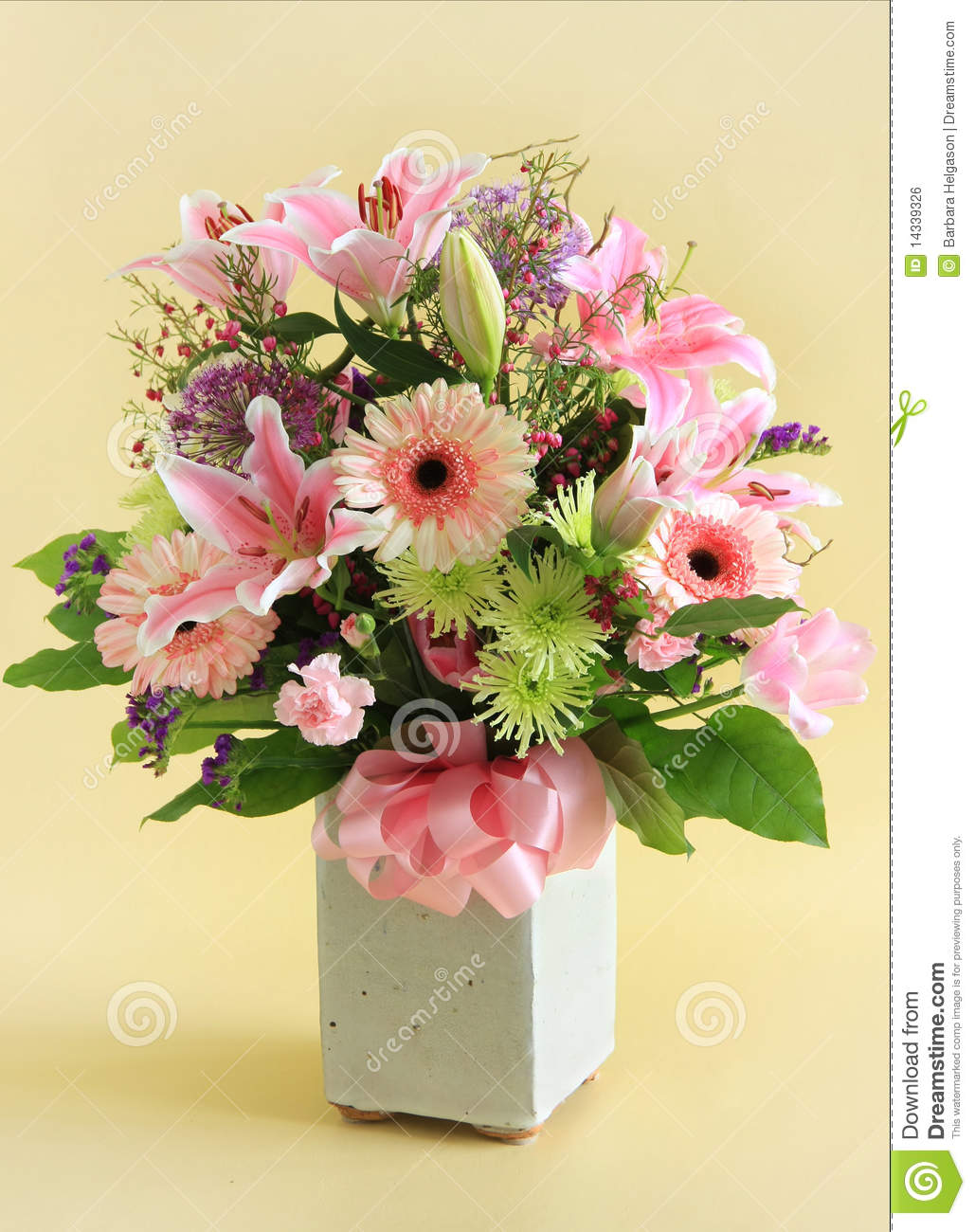 Flower Arrangement Royalty Free Stock Image - Image: 14339326