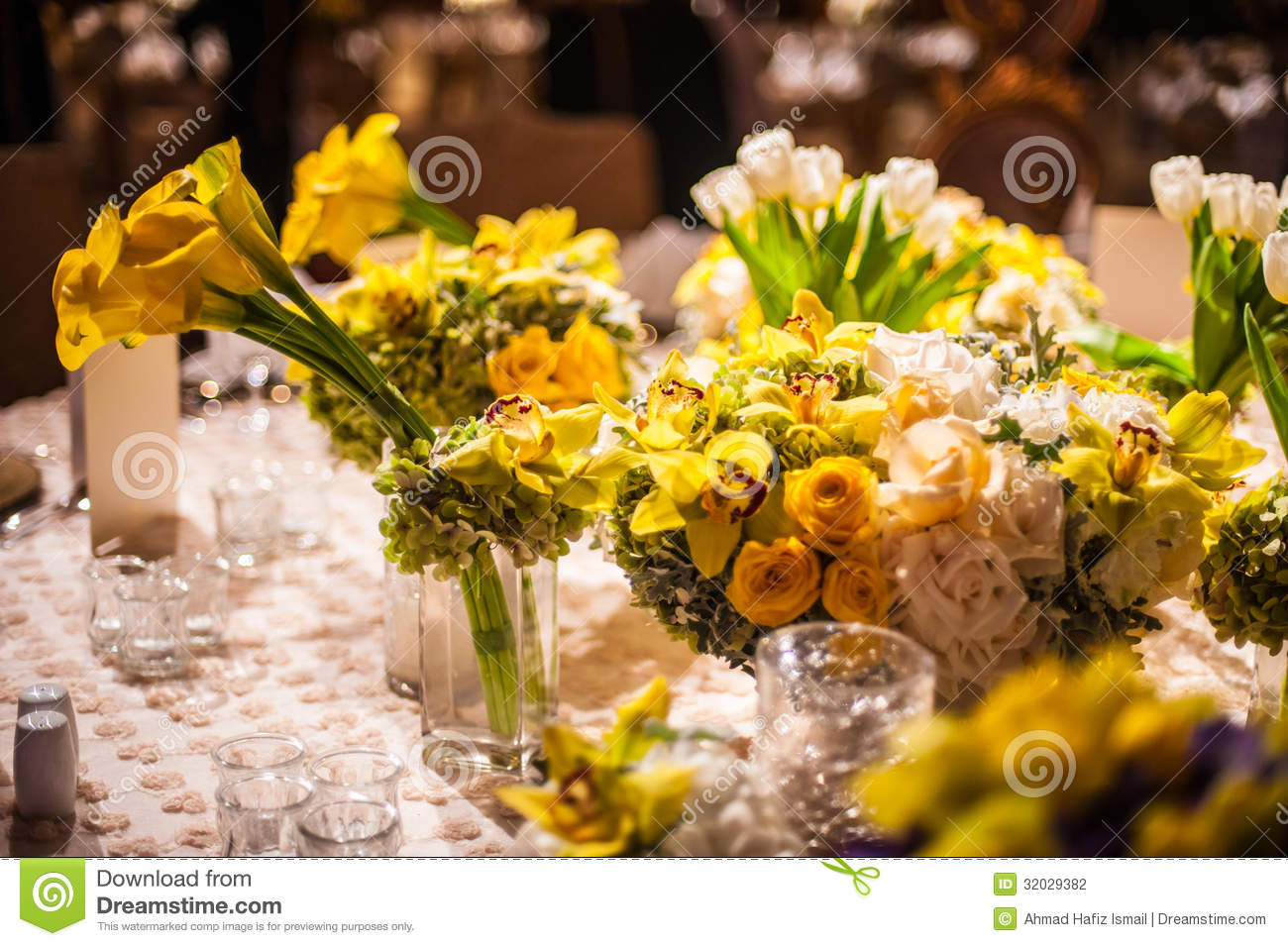 Flower Arrangement On A Elegant Dinner Table Stock
