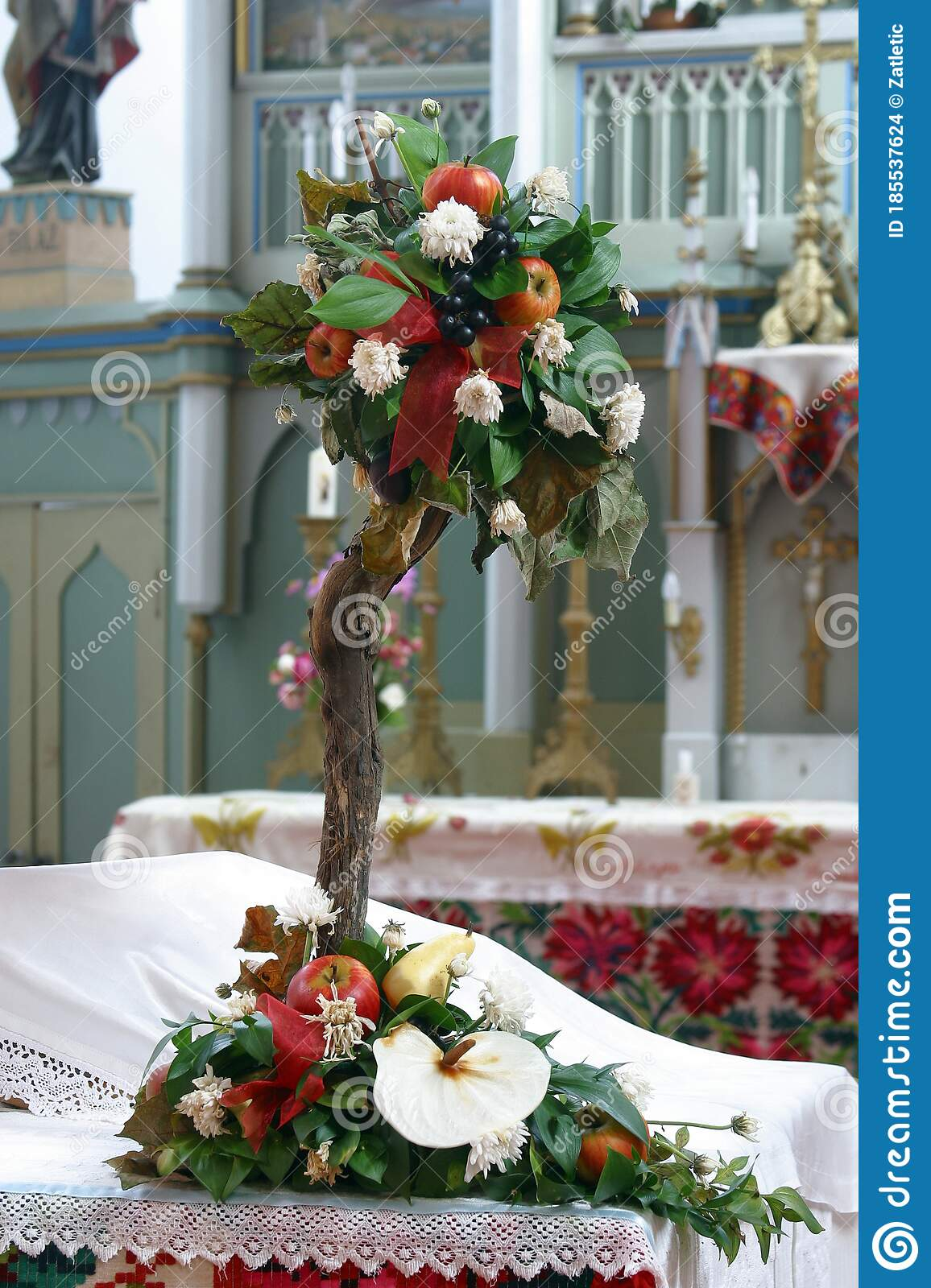 5 737 Flower Altar Photos Free Royalty Free Stock Photos From Dreamstime