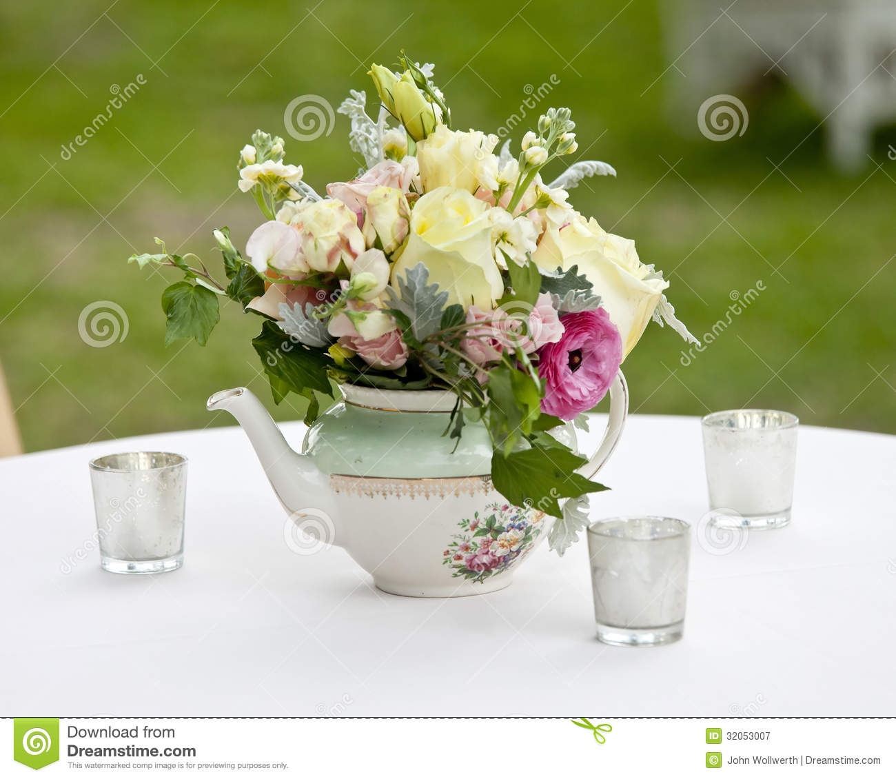 Flower Arrangement In Old Tea Pot Stock Image Image 32053007