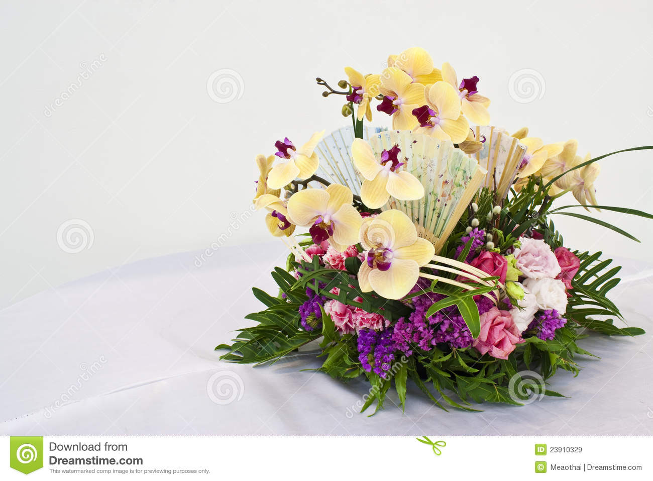 Flower Arrangement For Round Table Stock Image Image