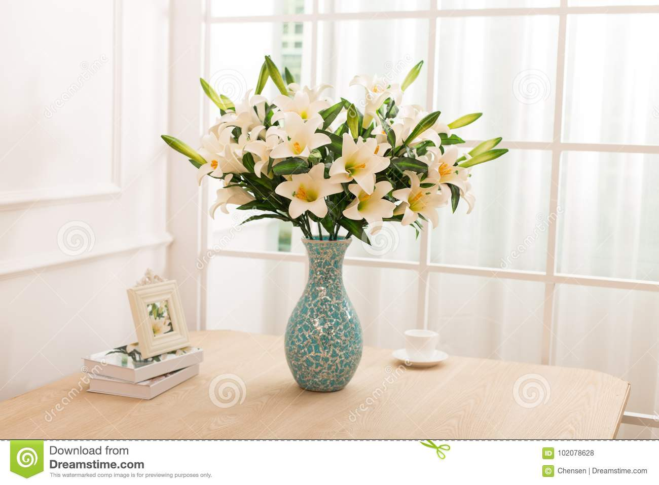 Flower Arrangement On Table Office Desk Stock Photo Image Of Flower Interior 102078628