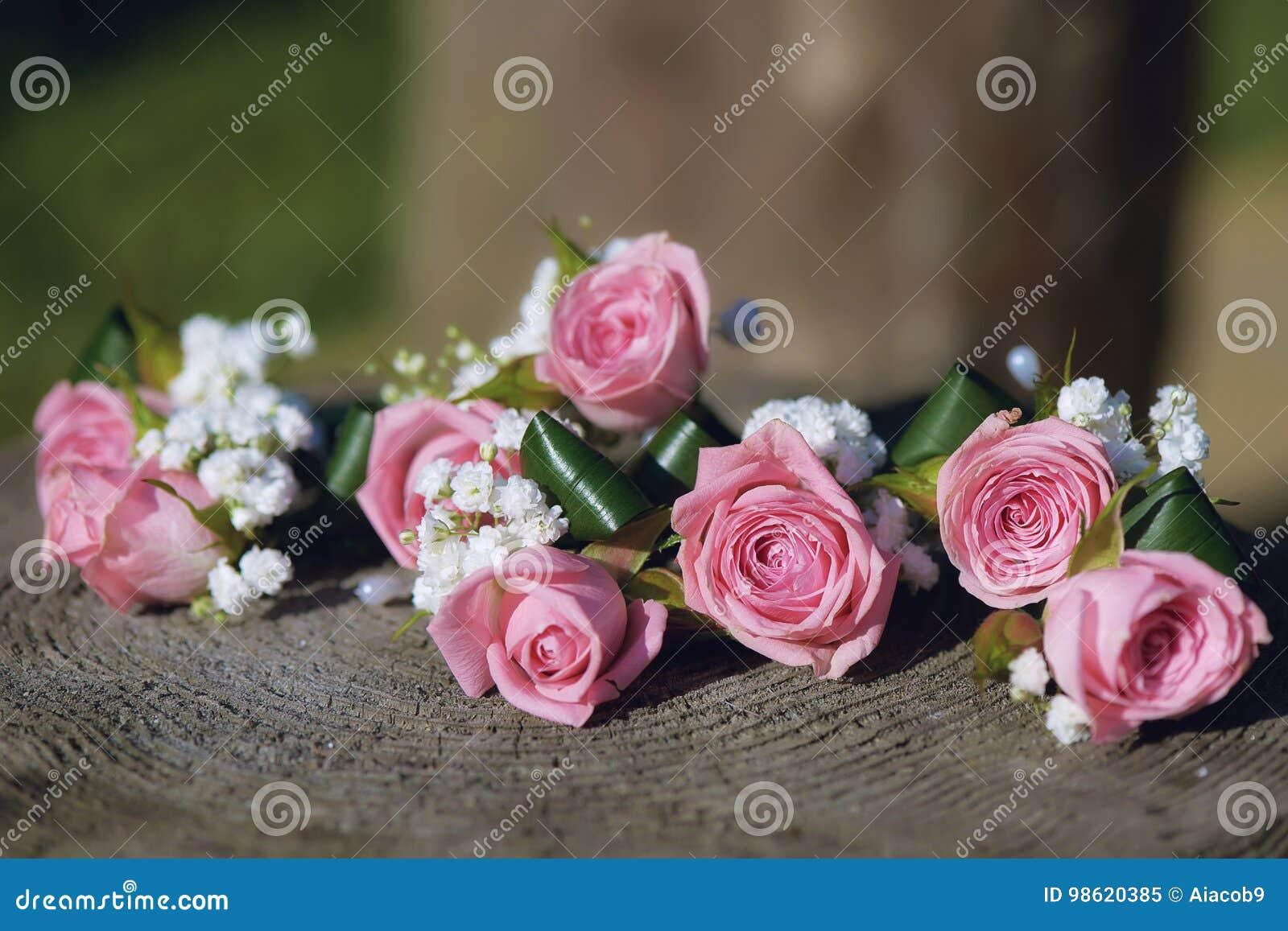 Flower arrangement for wedding centerpiece featuring small pink download flower arrangement for wedding centerpiece featuring small pink roses and babys breath mightylinksfo