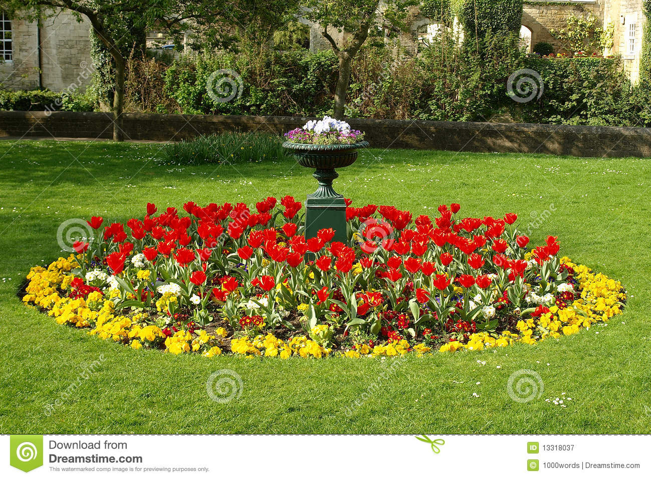Flower bed in a formal garden stock image image 13318037 for Flowers landscape gardening