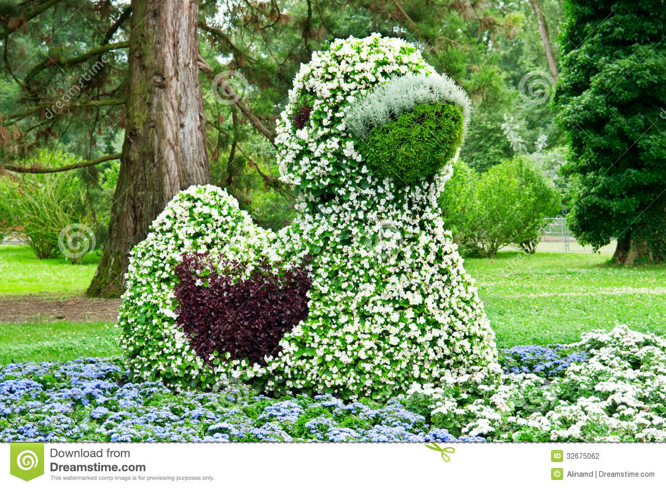 Flower bed stock photography image 32675062 for Flower bed shapes designs