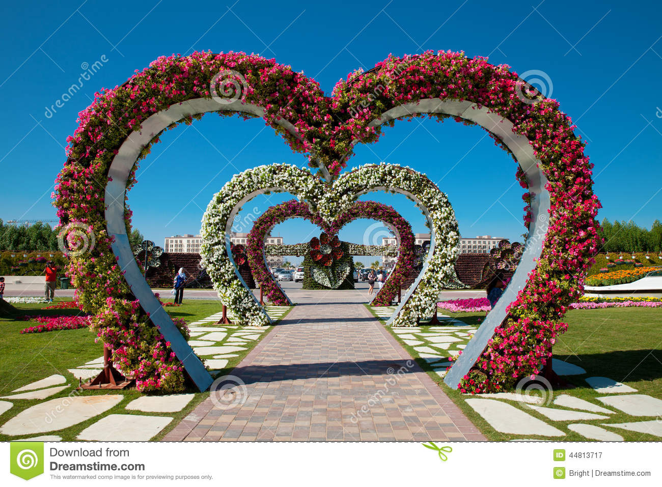 Nov. 29, 2013: Dubai, UAE - Heart shaped flower beds at the Alley of ...