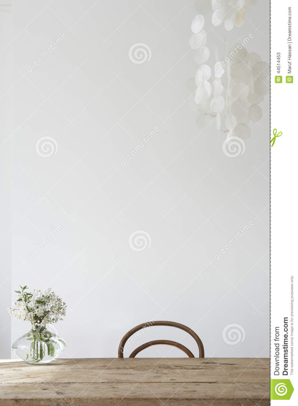 Flower vase on the top pf the table