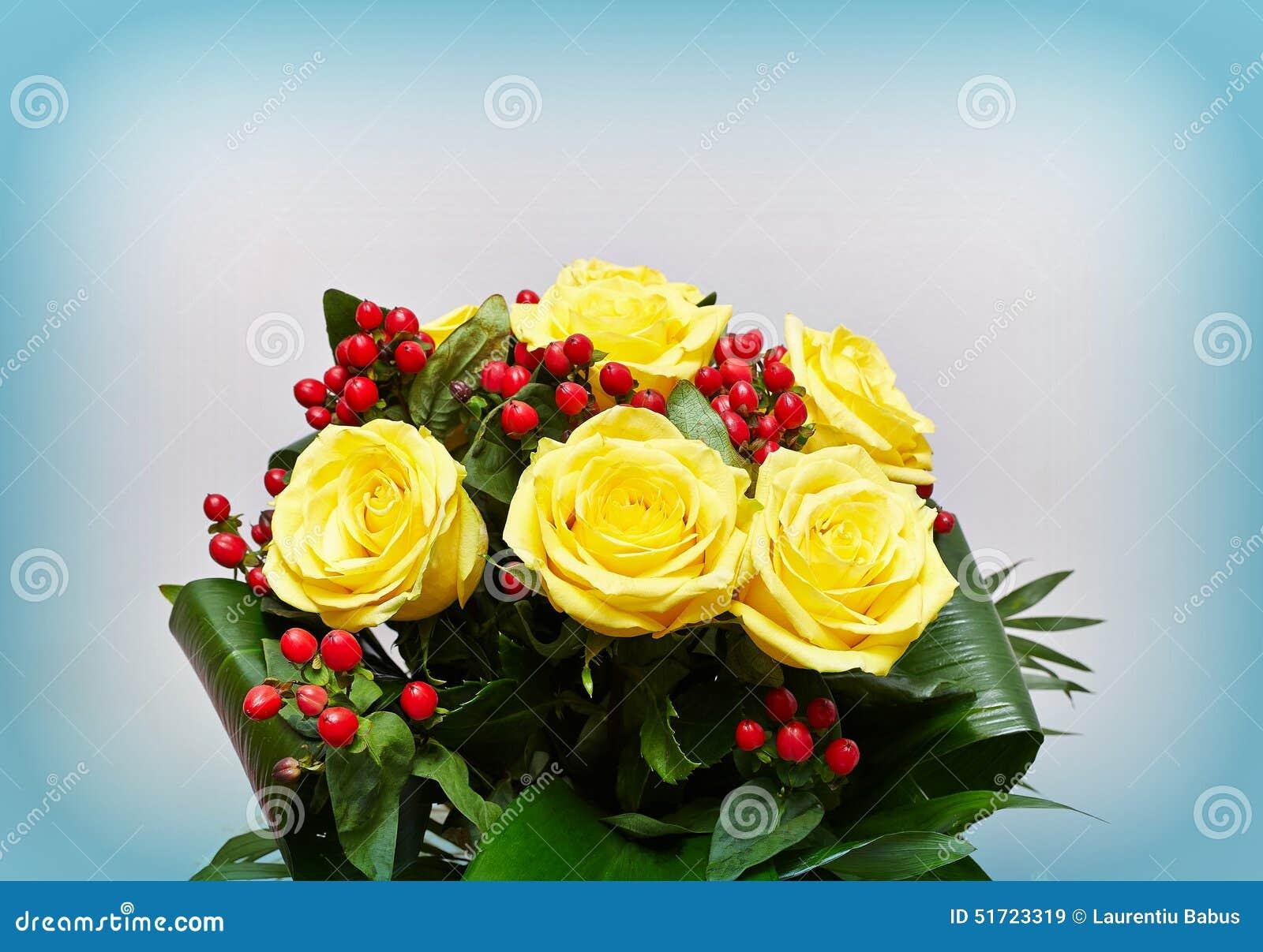 Flowerpot με τα κίτρινα τριαντάφυλλα