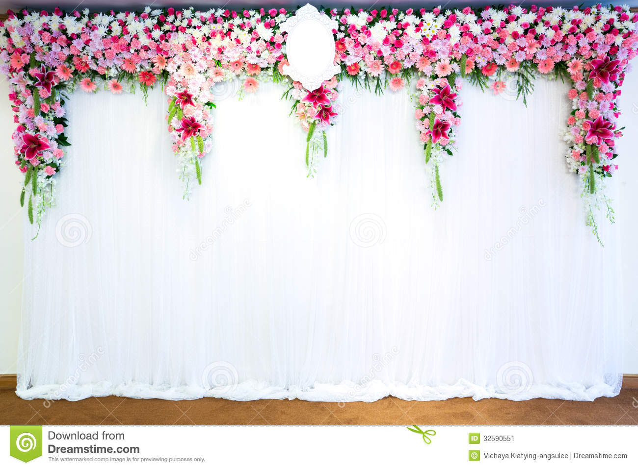 Flowers Archway Stock Image - Image: 32590551