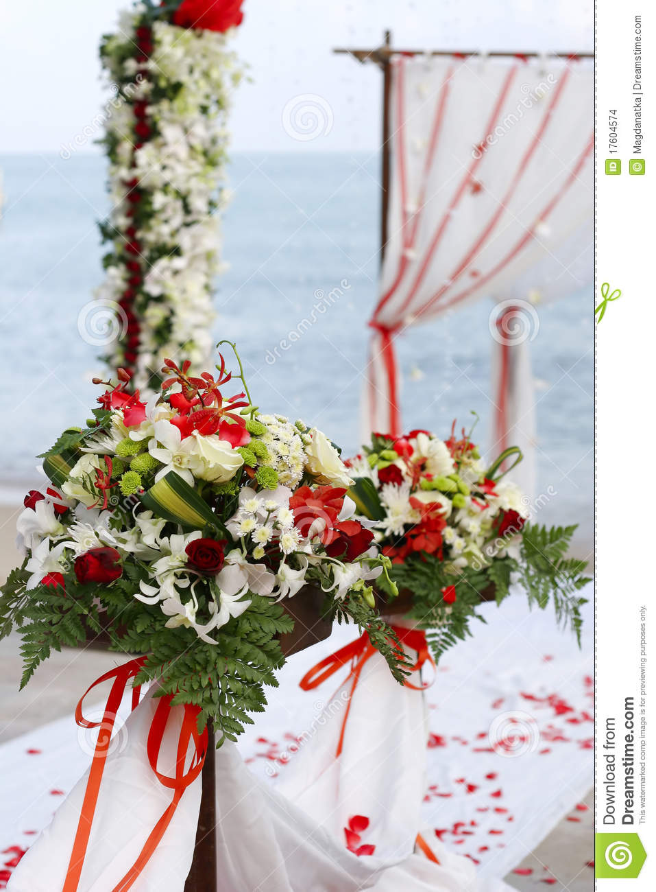 Flowers At Beach Wedding Stock Images Image 17604574