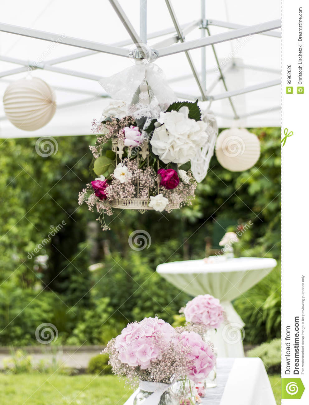 Flowers settings decoration outdoor setup for wedding with pink flowers settings decoration outdoor setup for wedding with pink colored flower mightylinksfo