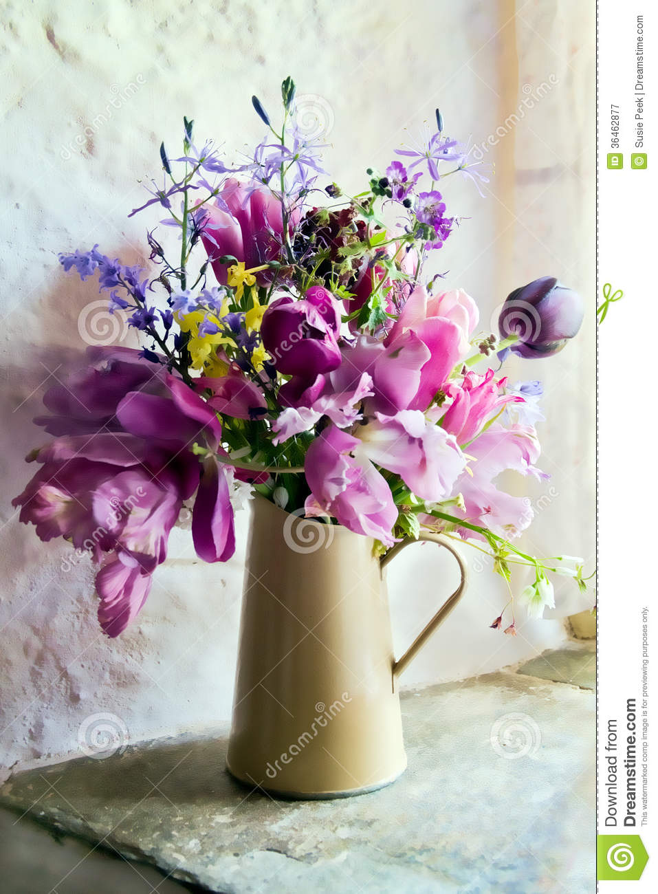 Flowers In The Window Royalty Free Stock Photography