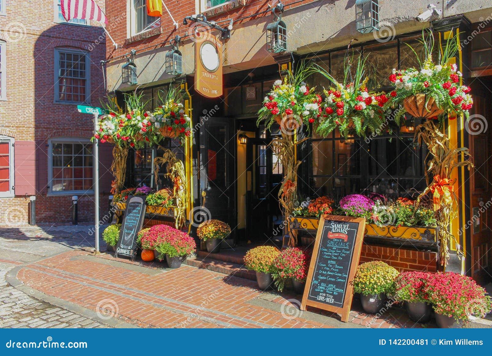 Flowershop colorido em Boston do centro