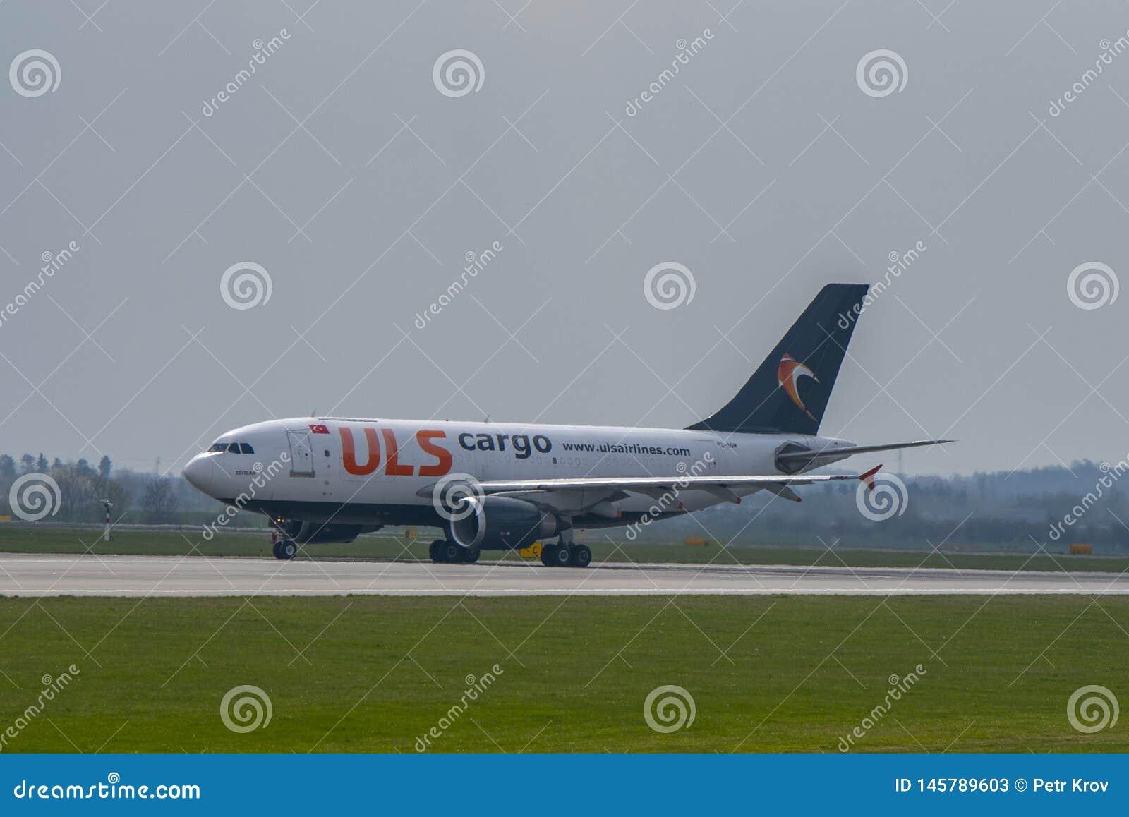Flughafen Prag Ruzyne-LKPR, Airbus