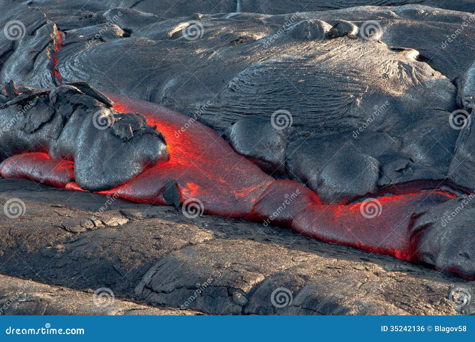 Fluxo de lava vermelho