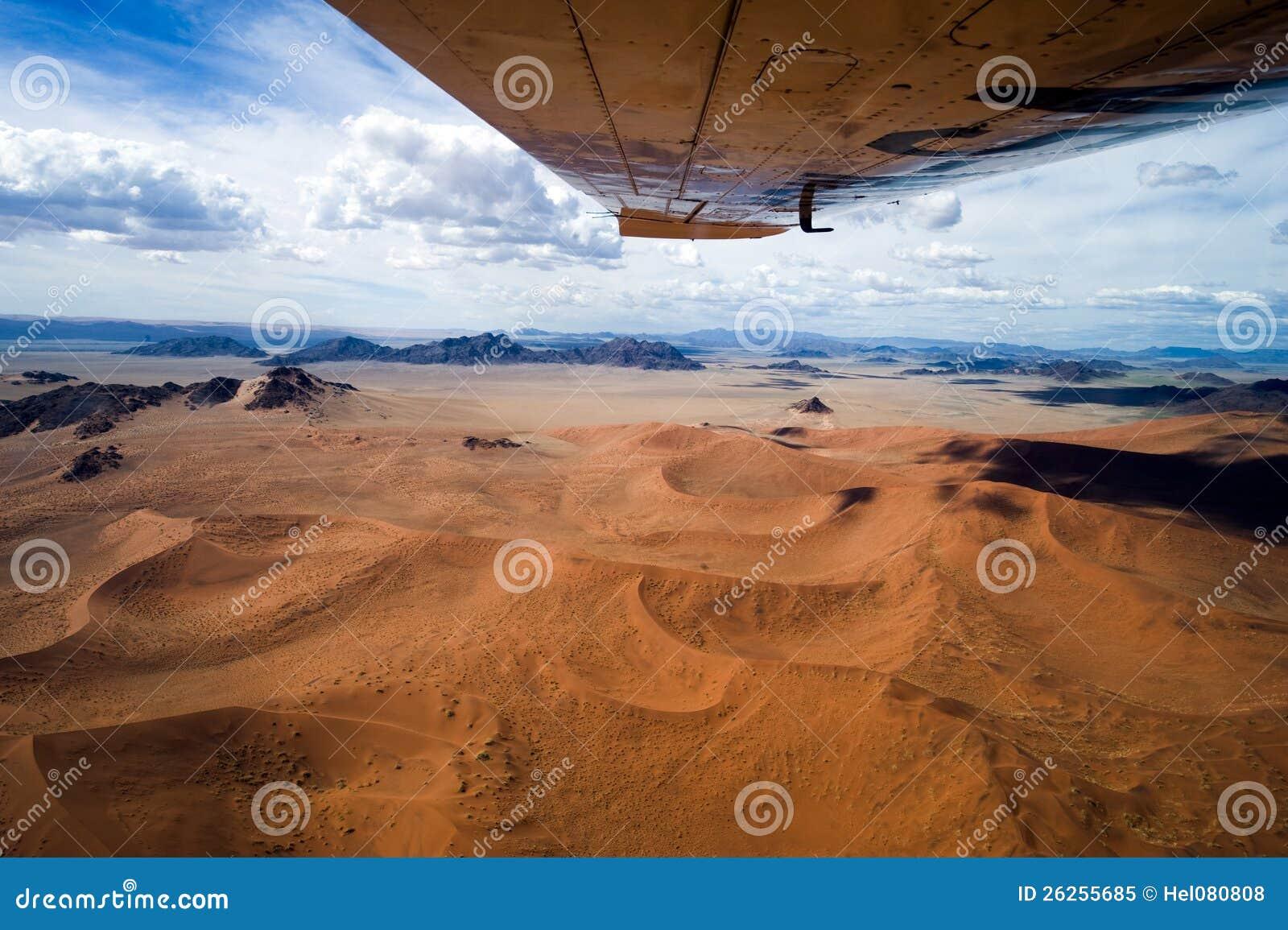 Flyg över den Sossusvlei öknen i Namibia