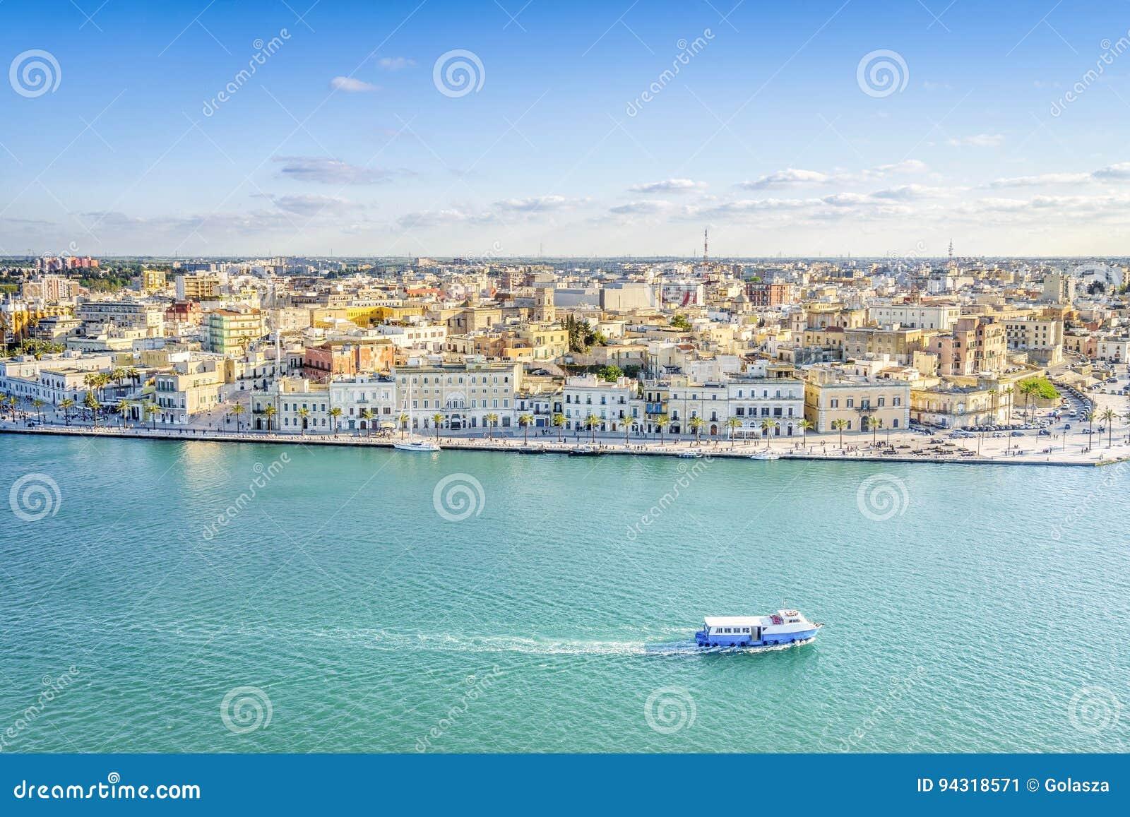 Flyg- panorama av Brindisi, Puglia, Italien