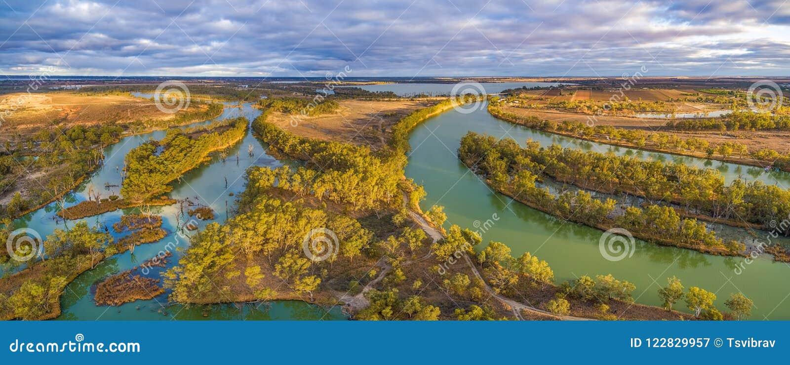Flyg- panorama av Murray River och den Wachtels lagun