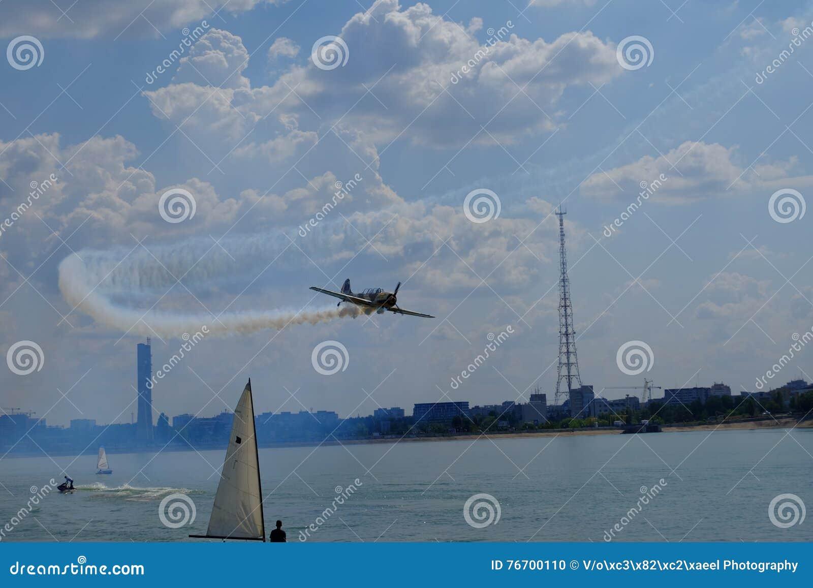 Flyg show 2016 på Morii sjön i Bucharest, Rumänien