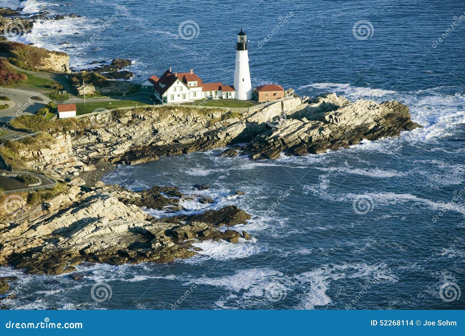 Flyg- sikt av den Portland huvudfyren, udde Elizabeth, Maine
