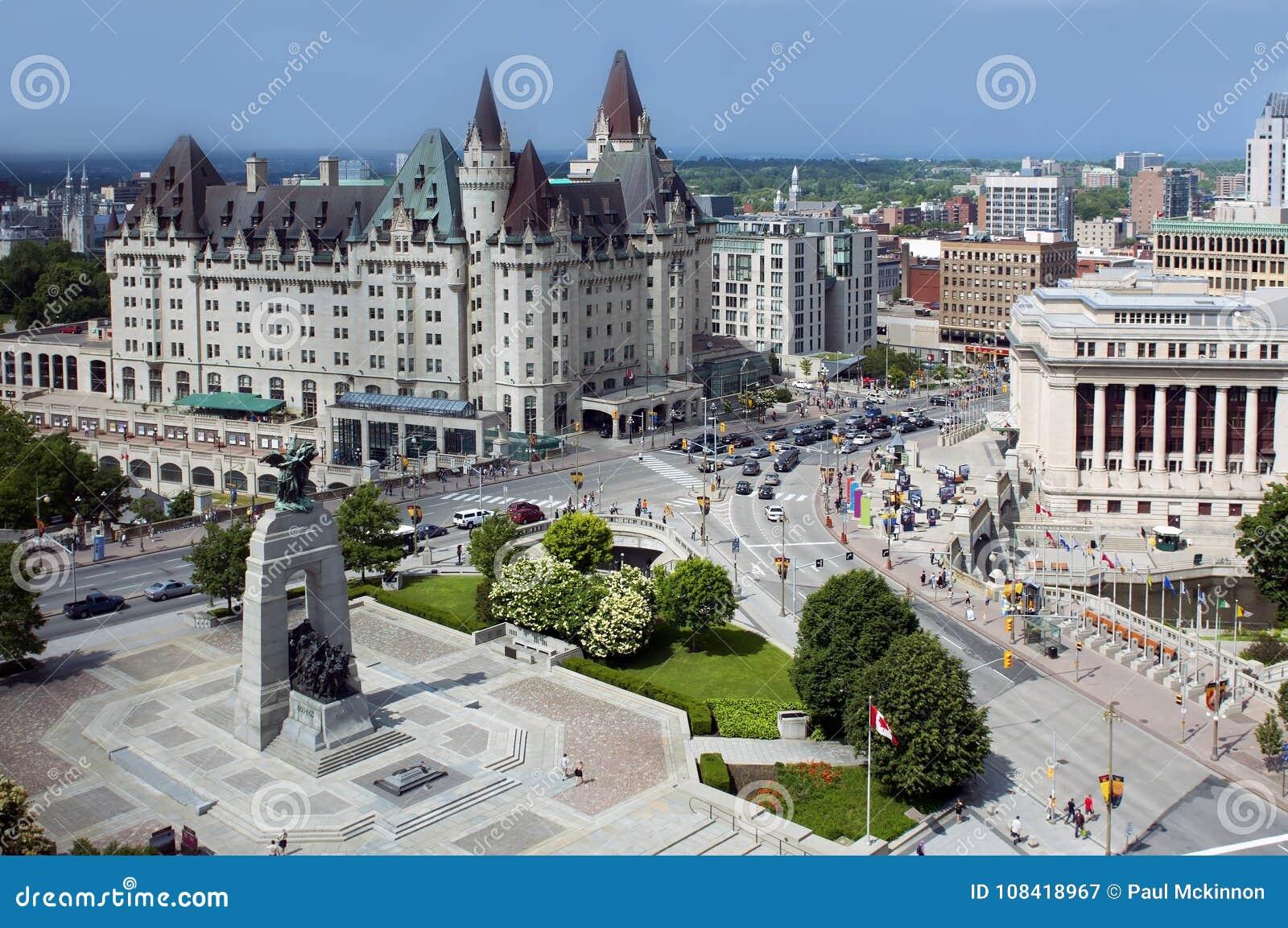 Flyg- sikt av i stadens centrum Ottawa