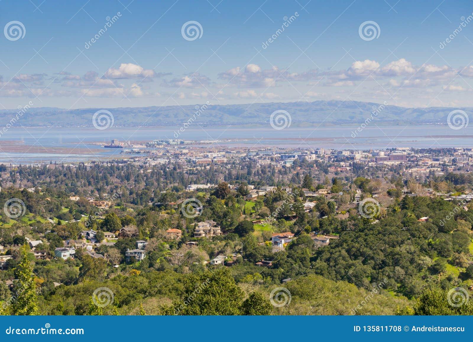 Flyg- sikt av Redwood City, Silicon Valley, San Francisco Bay, Kalifornien