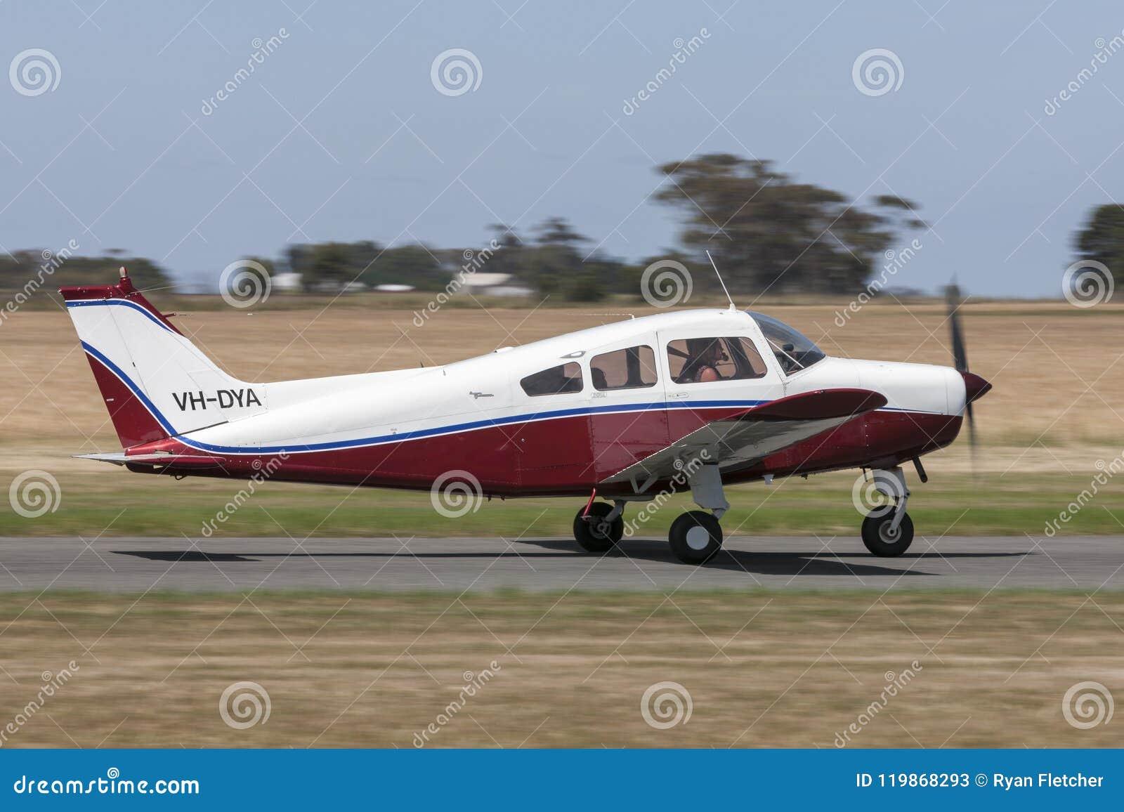 Flygplan VH-DYA för enkel motor för musketör för bokträd A23-24 ljust