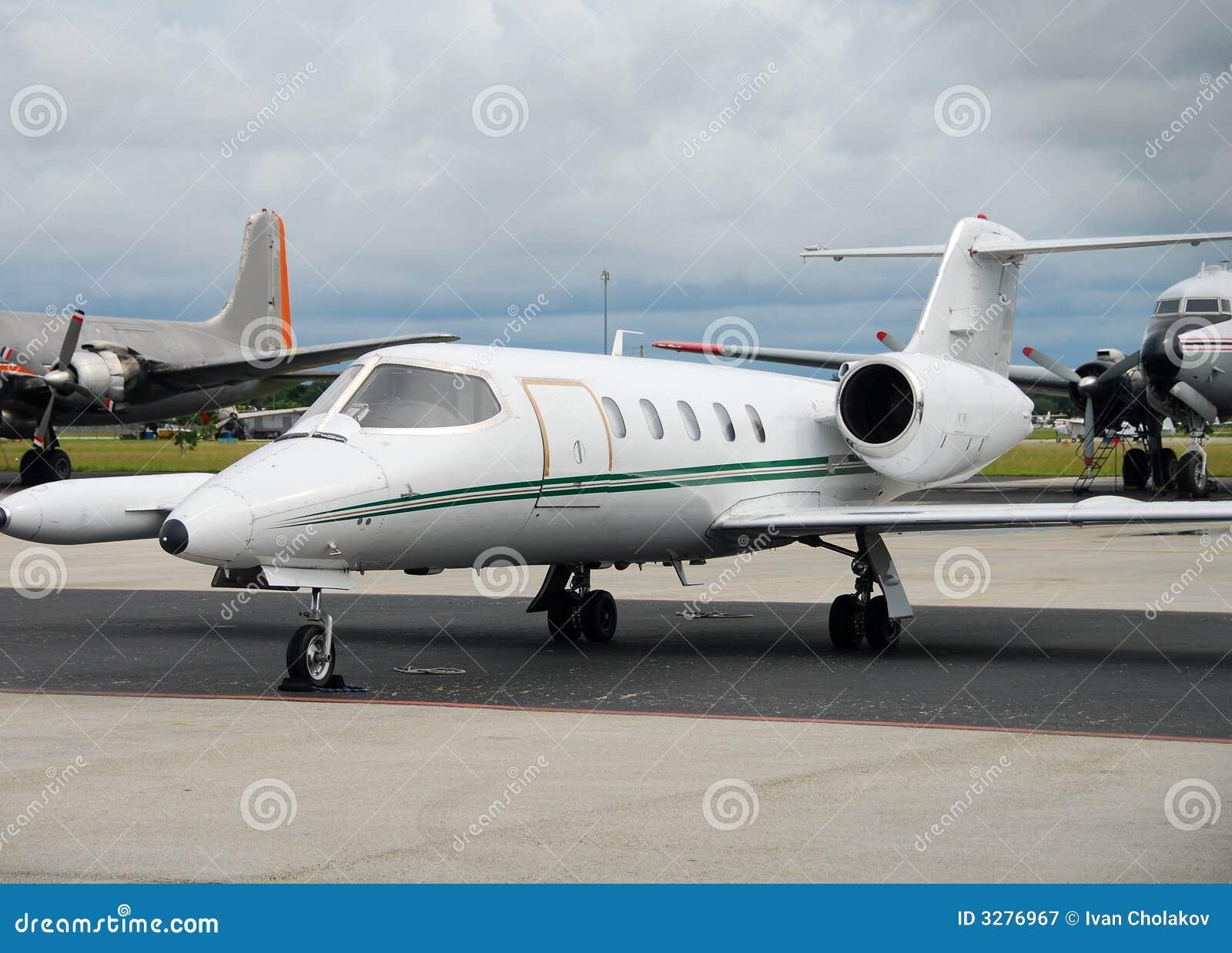 Flygplancharter
