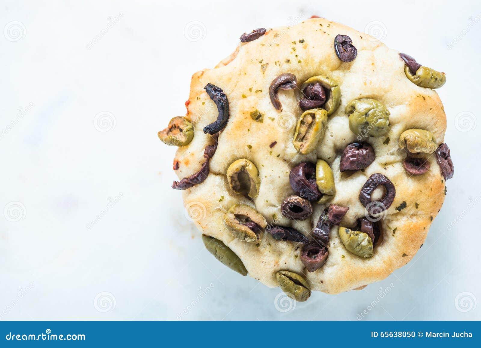 Foccacia italien avec des olives