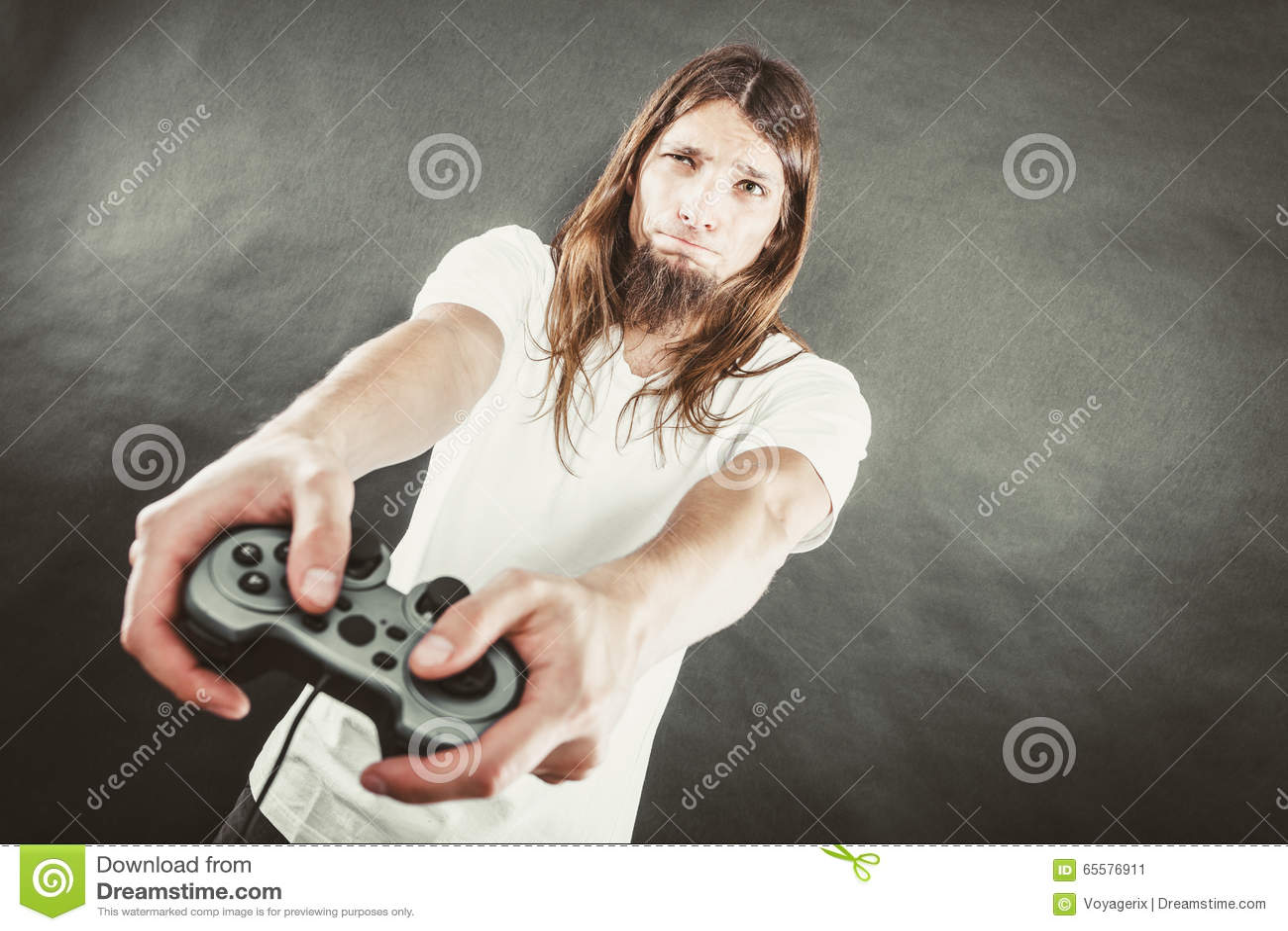 Foco masculino do jogador em jogos do jogo