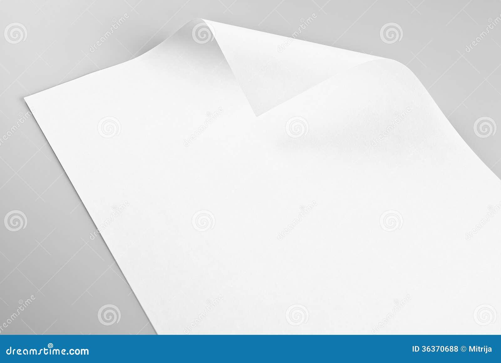 Foglio bianco di carta con l 39 angolo arricciato fotografia - Foglio laminato bianco ...