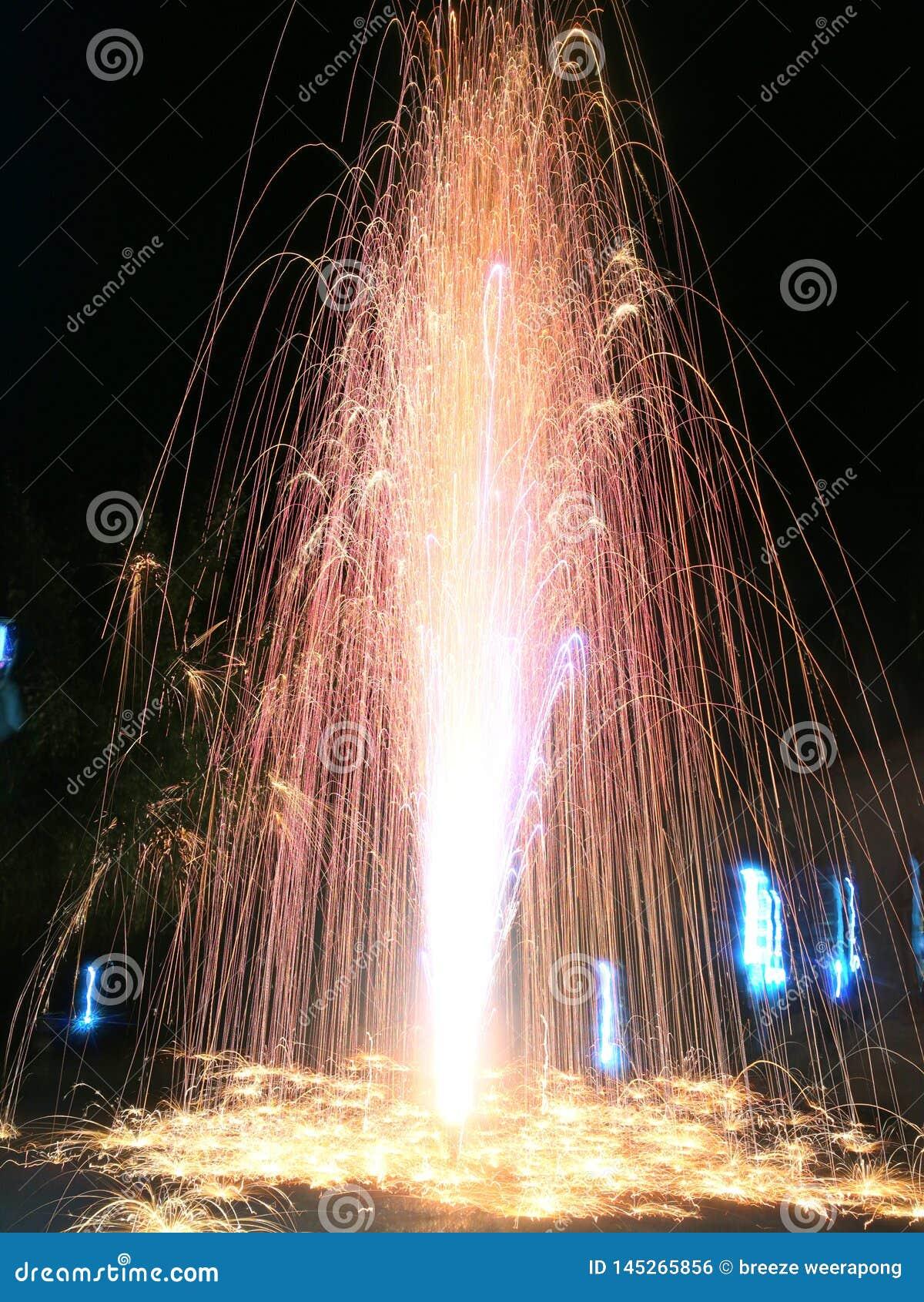 Fogos de artifício, Lent Day budista de Tailândia