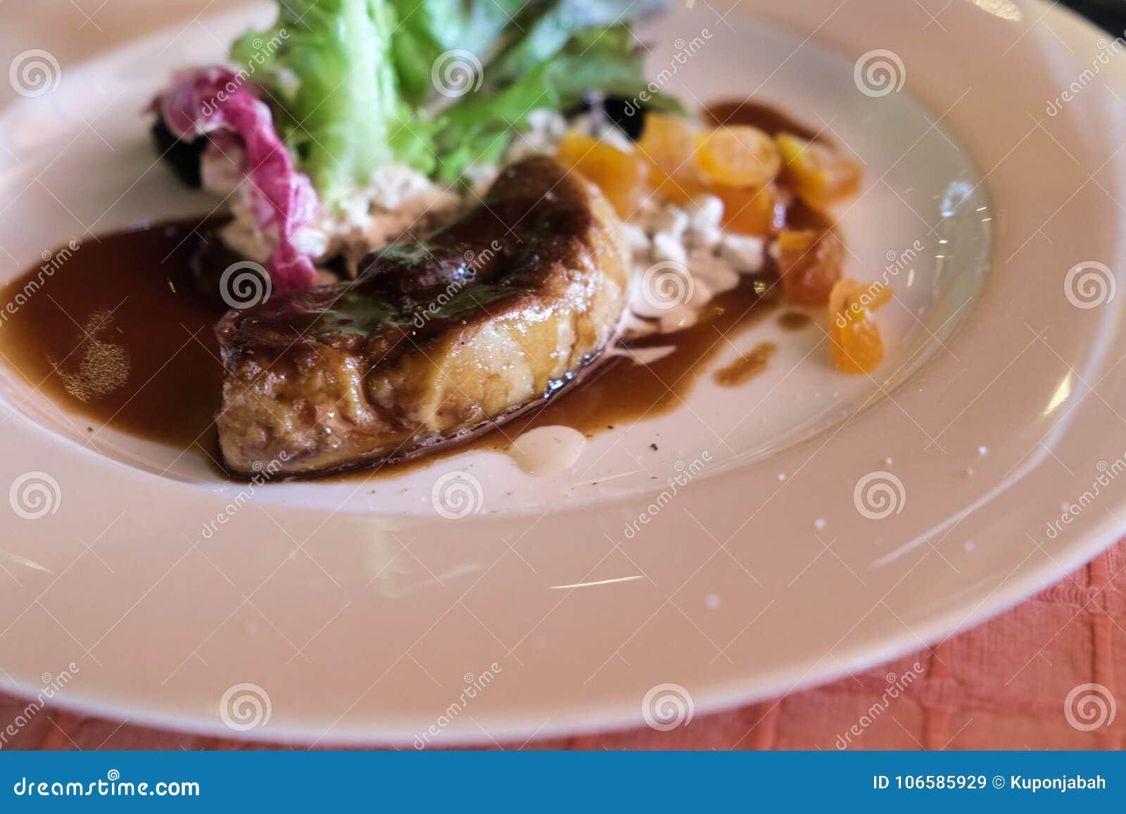 Foie gras med sås