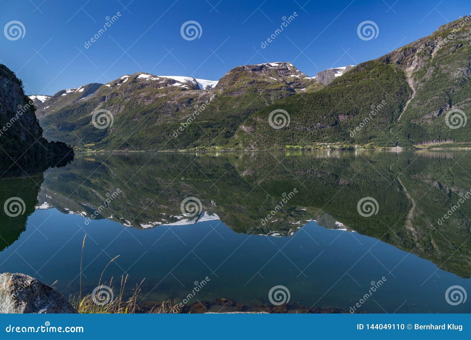 Folgefonnagletsjers en Hardangerfjord