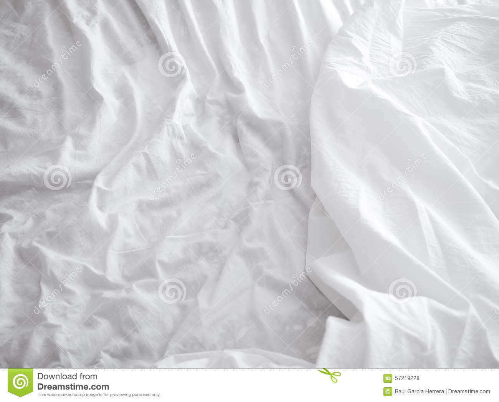 Folhas de cama brancas fundo e textura foto de stock - Ropa de cama textura ...