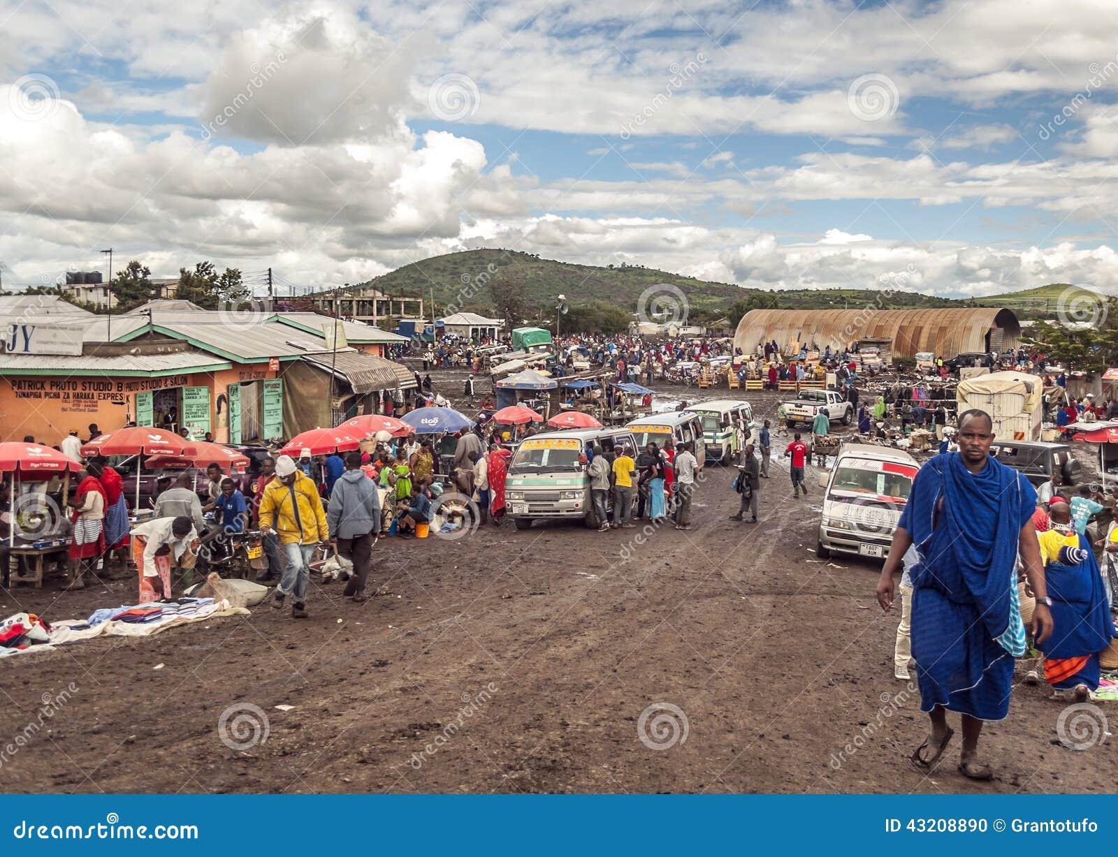 Download Folk I Den Tanzania Marknaden Redaktionell Foto - Bild av annat, little: 43208890